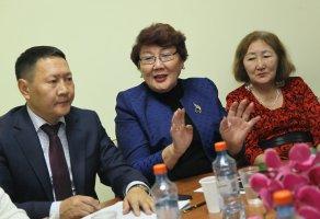 Народная газета «Кыым» организовала душевную встречу, приуроченную ко Дню пожилых людей